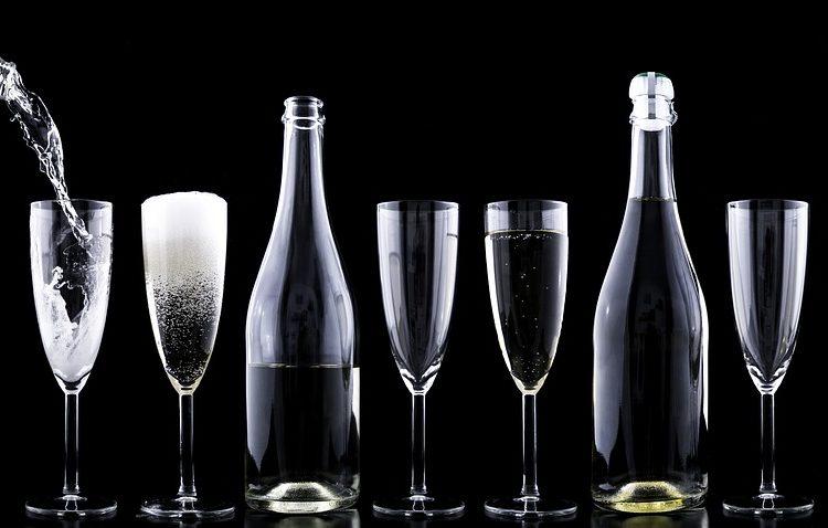 Il ruolo del calice nella degustazione del vino